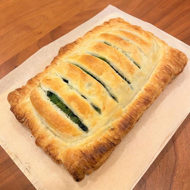 驚くほど簡単!冷凍パイシートで本格サーモンのパイ包み焼き