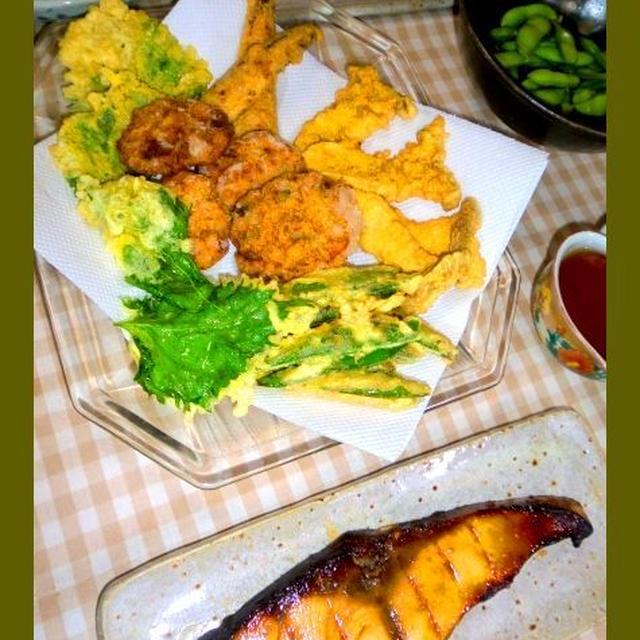 自家製薩摩揚と野菜天に定番鰤照りで晩ご飯
