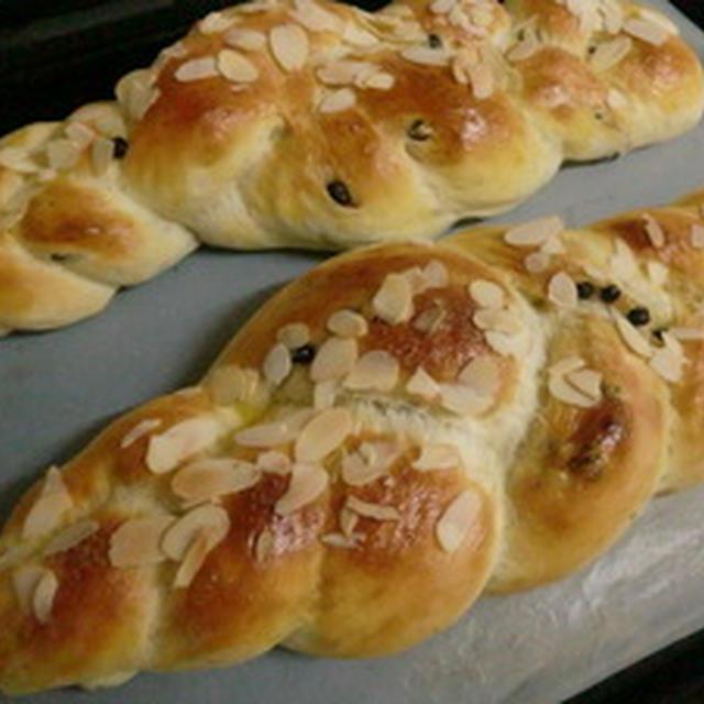 ドライブルーベリー入りの三つ編みパン