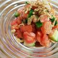 シンプルな材料でボリボリ食感がおいしいクリスマスカラーのサラダ