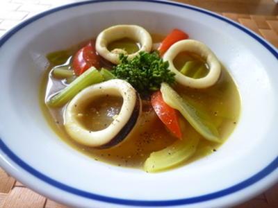 春野菜といかのカレー風味スープ