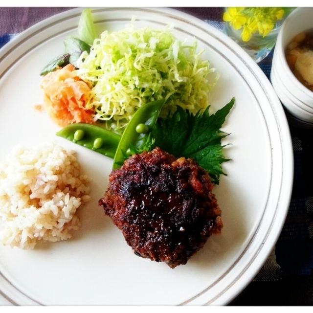 My晩ご飯も簡単横着常備食~♡レンチンハンバーグです(^^;