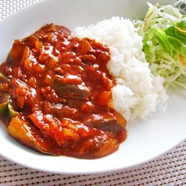 挽き肉とナスのトマトカレー。