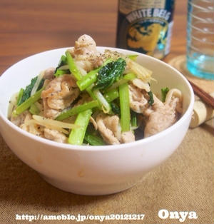 【食べ過ぎ要注意~!!10分で絶品炒め物♪簡単•豚コマと小松菜ともやしの中華炒め♡】
