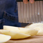 四川で大人気!じゃが芋の激うまB級グルメ「狼牙土豆」の作り方
