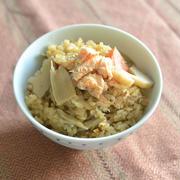 食べてデトックス!?秋鮭と根菜の炊き込みご飯 by 薗部雄一さん
