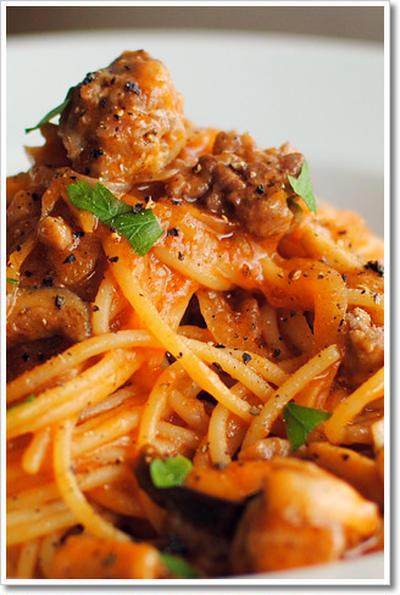 サルシッチャと本しめじのラグーのスパゲッティ