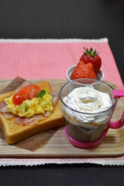 朝カフェ☆スクランブエッグルトーストtoウインナーコーヒー