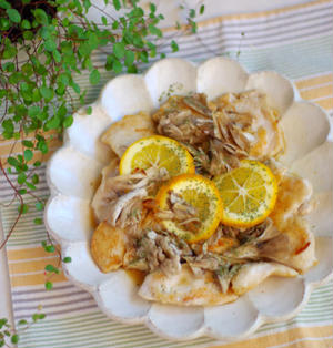 フライパンで!鶏むね肉と舞茸のレモンバター蒸し