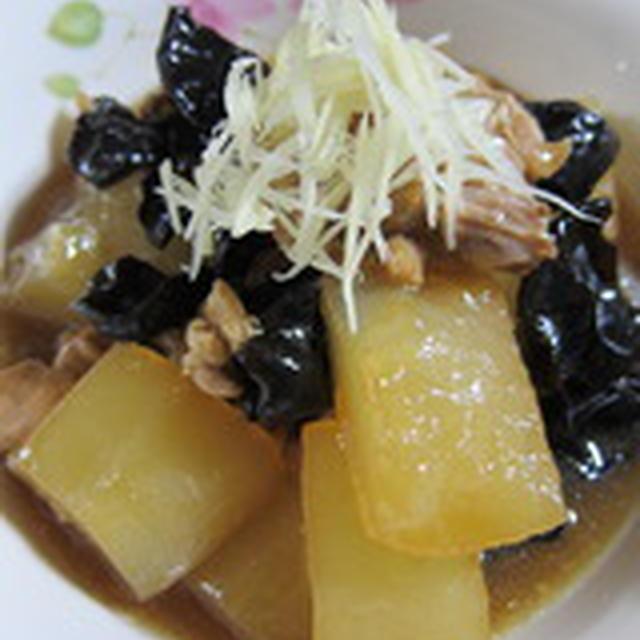 「鶏肉と冬瓜と木耳の煮物」