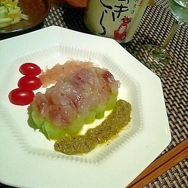 ひやおろしと合わせて、イサキとりゅうきゅうのカルパッチョ、燻製鰹のポテトサラダ