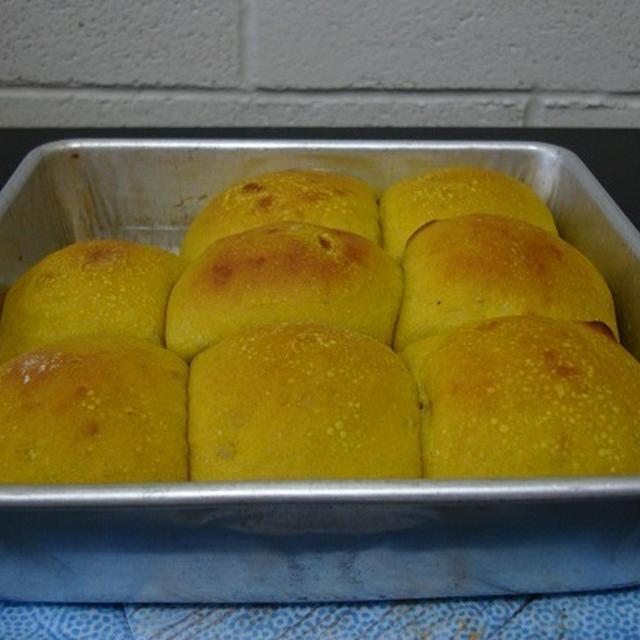 かぼちゃパンが焼けましたよ(^^♪