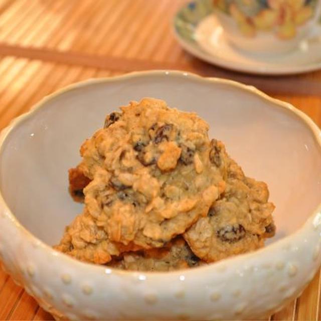 カリフォルニア流・シナモン風味のオートミールレーズンクッキー