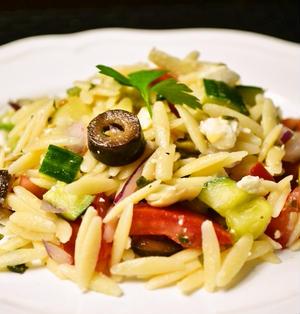 オルゾで作る 野菜たっぷりパスタサラダ