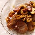 超簡単!一口カツ用豚肉のソテー。ナッツ入り蜂蜜醤油ソース