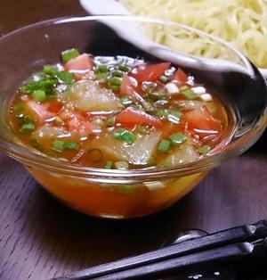 切って混ぜるだけ!みかんとトマトの冷やしつけ麺