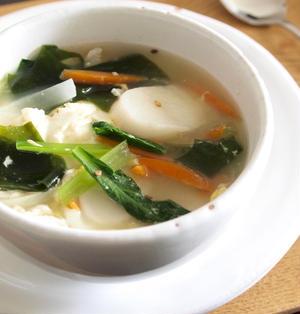 お野菜たっぷりのトックク(韓国餅のスープ)で朝ごはん。