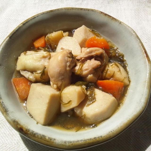 刻み昆布ともも肉、野菜の煮物
