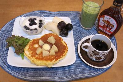 ヨーグルトパンケーキ~桃のコンポートの朝食 と 神戸牛の焼肉♪