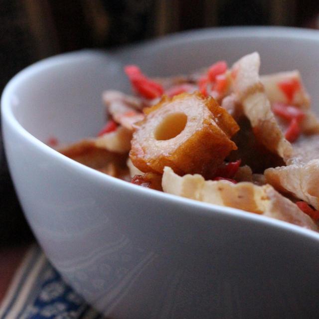 お弁当のおかずにも♪豚肉と竹輪の紅しょうが入り照り焼き