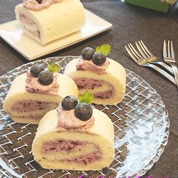 卵白で!ホワイトロールケーキ ブルーベリーチーズクリーム