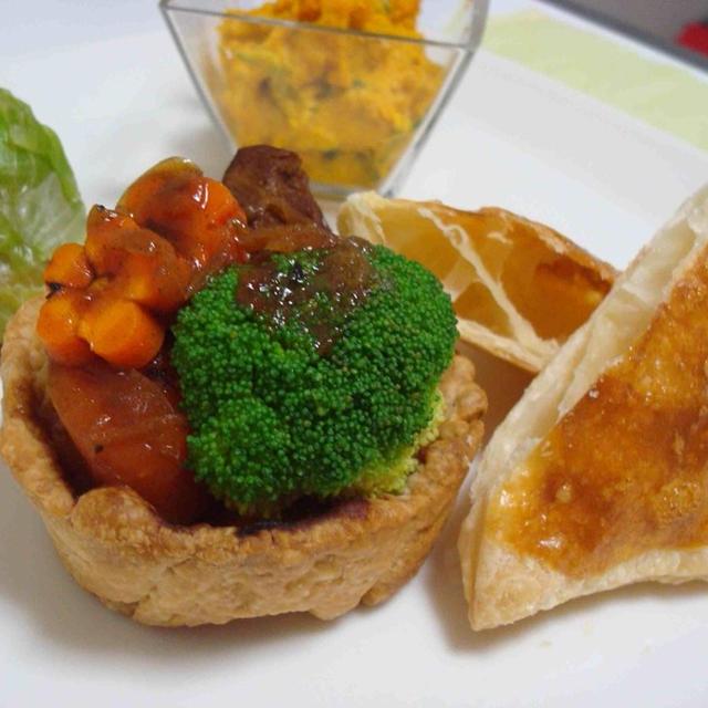巻き巻きサラダ、南瓜のサラダと残り物ビーフシチューのパイ仕立て(Rolled Salad, Pumpkin Salad, and Beef Stew Pie with Left Overs)
