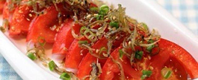 ごま油が香る!「お箸が止まらないトマトサラダ」を作ってみよう♪