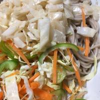 エスニック風野菜のお蕎麦