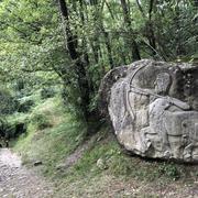 避暑地のロヴィナッチャ滝 Cascata della Rovinaccia