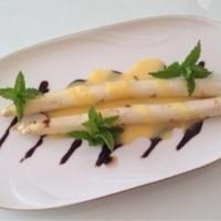 簡単!!おしゃれ!!『ホワイトアスパラガスサラダ』バルサミコ •オランデーズソース♪♪