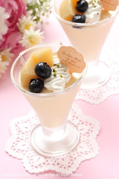 バヴァロア ア ラ バニーユ ~夏のフルーツを添えたババロア