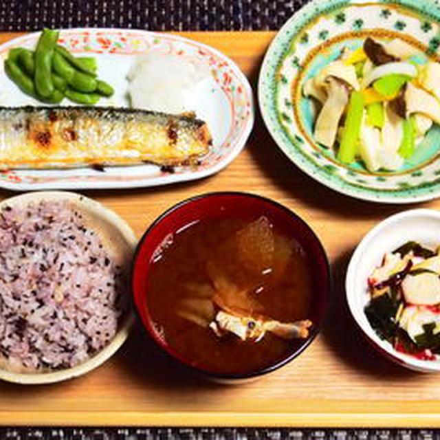 質素な秋刀魚定食