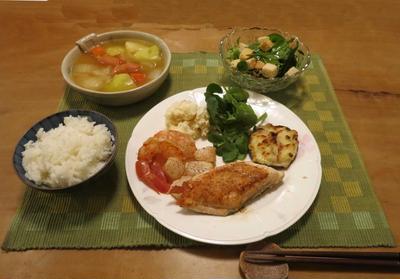 サーモンムニエルとポトフの晩ご飯 と プリムラの花