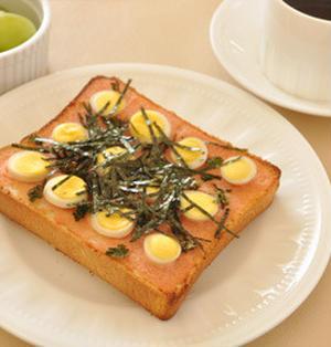 * 明太子&うずら卵のトースト。 *