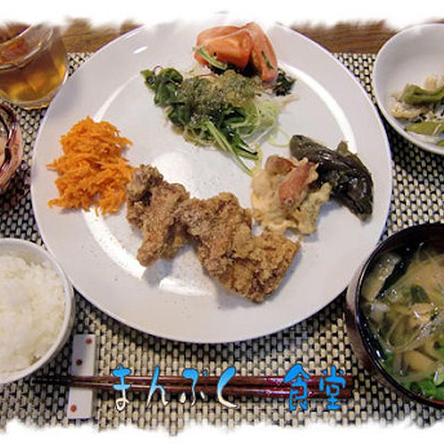 洋食だった次の日は和食なのだ!で、「鶏の竜田揚げ定食」♪