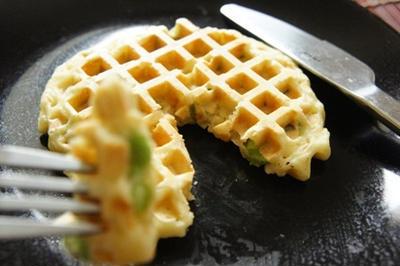 バターと卵代わりに、マヨネーズ de 枝豆ワッフル・サレで朝からぐいっと