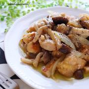 柔らか鶏むね肉ときのこの旨味オリーブオイル蒸し