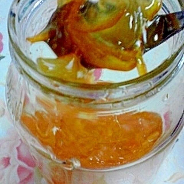 柚子ジャム♪ ヨーグルトに入れてホットで食べると美味しいよ。