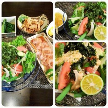 ■晩ご飯【生野菜が主役です。頂き物のチキンステーキ/作り置き副菜など。】