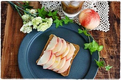 マスカルポーネ&フルーツのトースト2種とらん丸さん
