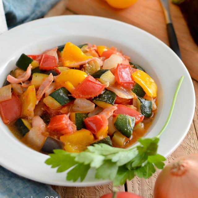 夏野菜のラタトゥイユ。トマト缶なし、生トマトで作る前菜。【農家のレシピ帳】
