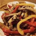 お酒もご飯もすすむ!みんな大好き「パプリカでつくる青椒肉絲」のレシピ紹介