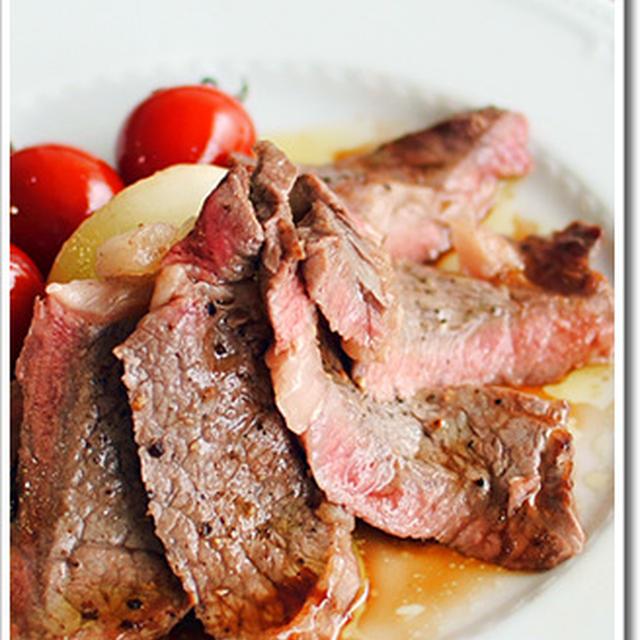 牛肉のタリアータ、赤ワインビネガーとバルサミコのソース