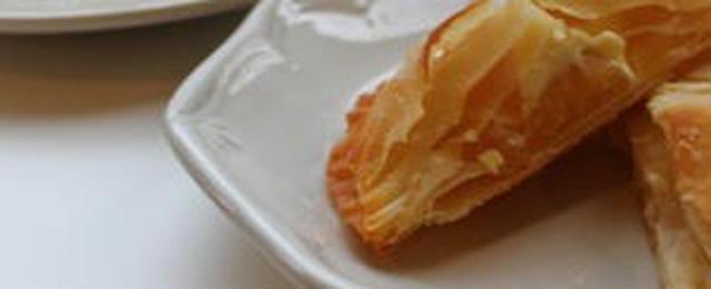 サックサクでおいしい♪餃子の皮で作る簡単「パイ風おやつ」
