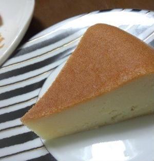 ヨーグルトでチーズケーキを作ってみました。しかも炊飯器で~簡単