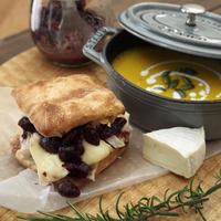 クランベリーマスタードのクリスケットチーズサンド