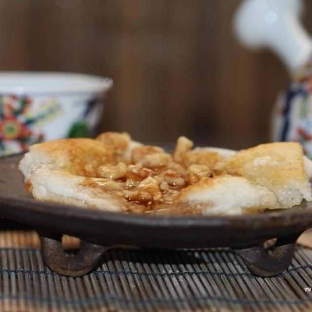ココナッツ胡桃餅とクロワッサン