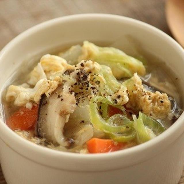 簡単♪焼肉屋さん風の具だくさん玉子スープ