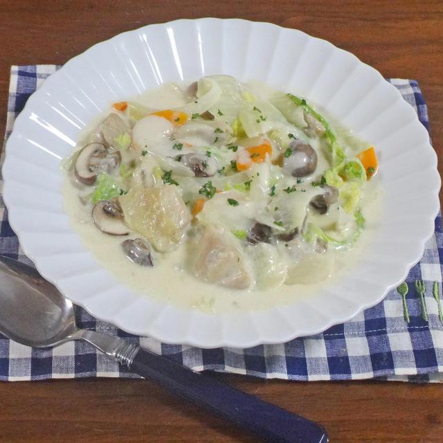 具がゴロゴロ 絶妙なとろとろ感!鶏肉と白菜のクリーム煮