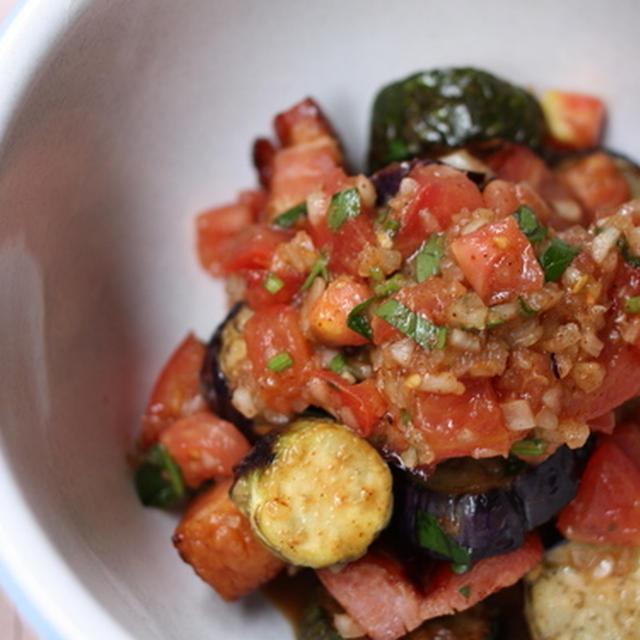 茄子とズッキーニのメキシカンサラダ